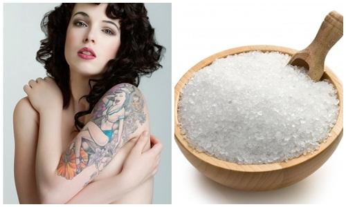 Mẹo xóa hình xăm bằng muối